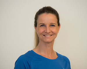 julia-runzheimer-arlinghaus-team-proreha-physiotherapie-frankfurt-2020-12-01-300x239